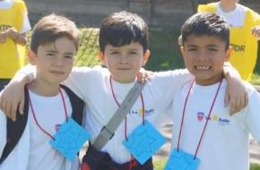 Crianças Missioneiras Lassalistas em evento no Chile